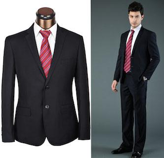 黒スーツに赤ストライプネクタイを合わせた成人式のスーツの着こなし画像