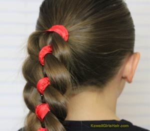 入学式の女の子の三つ編みの髪型