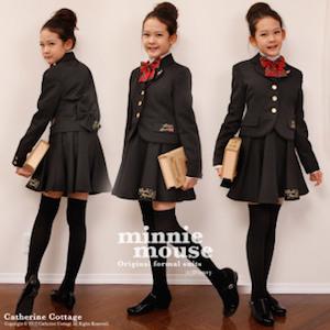 小学校の卒業式の女の子の服装