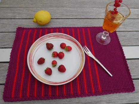 Tisch-Set in tunesischer Häkeltechnik