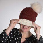 Nikolausmütze aus Rowan brushed fleece mit einem vegetarischen Pompon von aheadHunter. Aufnahme: Sabine Kristan Fotografie