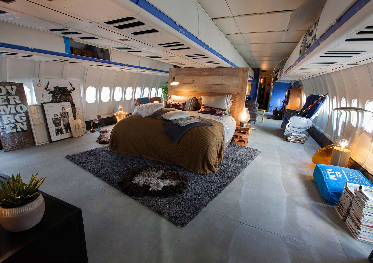 Airbnb Nl Amsterdam Tank Interior For Klm And Airbnb Collaboration