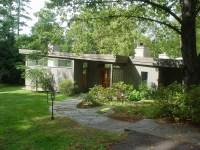 Cool Mid Century Modern Homes With Green Yard   Custom ...