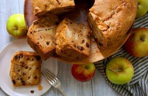 التفاح السهل بالزبيب وصفة سهلة ElCerrito_AppleCake2