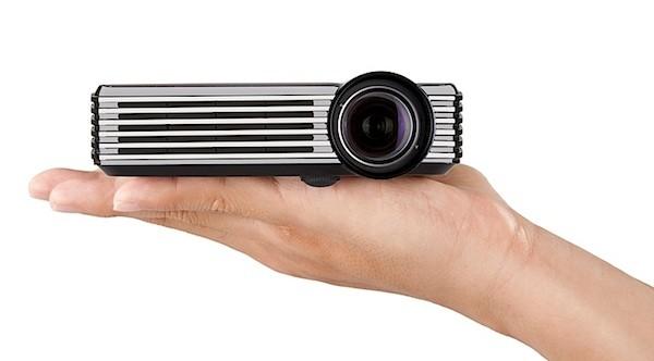 portadapledproyector ViewSonic PLED W200, projeção eficaz na palma da sua mão