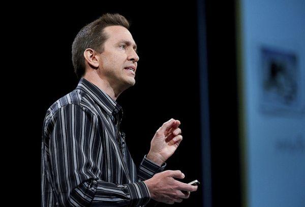 scott forstall Apple demite Scott Forstall, responsável pelo iOS, e o chefe de vendas da Apple Store