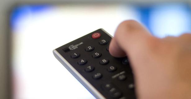 tv Furto de sinal de TV por assinatura chega a 4,2 milhões de lares no Brasil