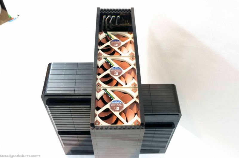 Lego Gaming Computer-03