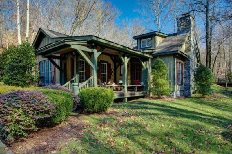 Pretentious For Cash Johnny Cash Bought His Parents Colin Kaepernick Random House Colin Kaepernick House S