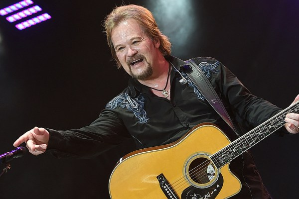 Travis Tritt Posts Twitter Rant After Beyonce's CMAs Show
