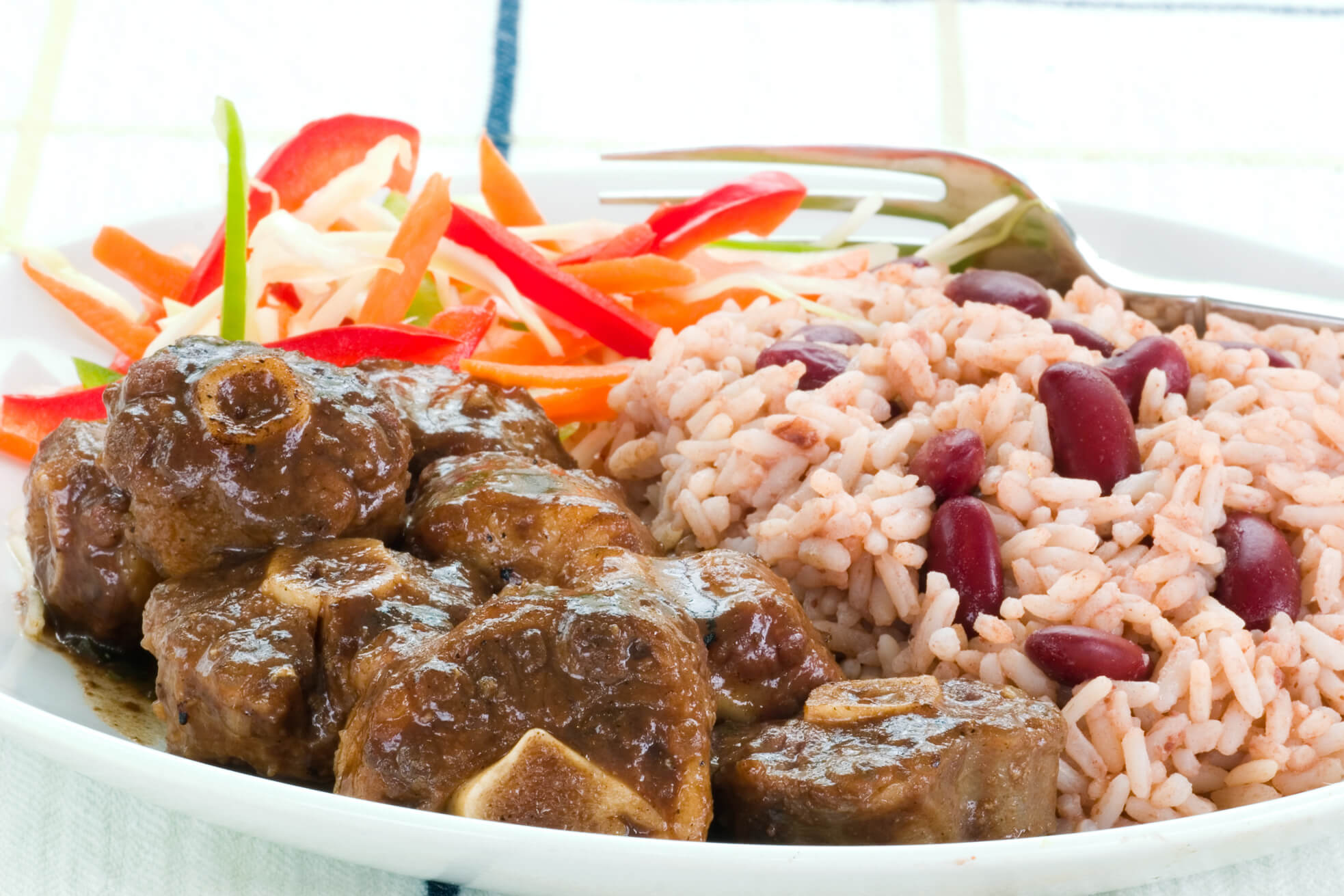 Jamaican Cuisine Cafe Traditional Jamaican Oxtail Recipe Taste The Islands