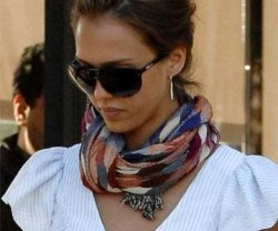 blog-summer-trends-alba-tolani-scarf[1]