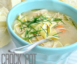 homemae crock pot chicken noodle soup