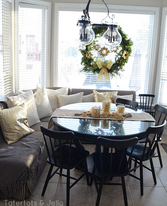 banquette holiday eating area