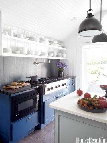 01-hbx-navy-blue-kitchen-cabinets-butler-beling-0413-lgn