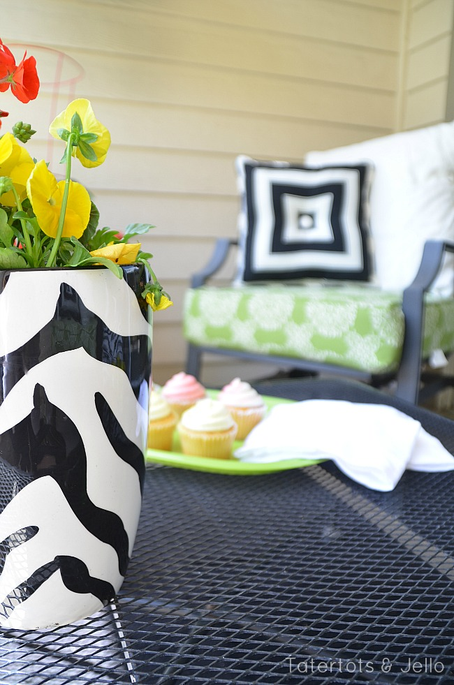 BHG Patio Makeover coffee table