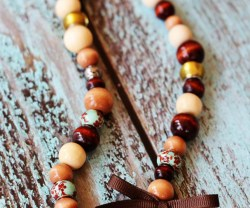 Wood-Bead-Necklace-3