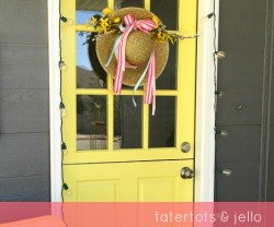 [Quick & Easy] Spring Bonnet Door Hanging