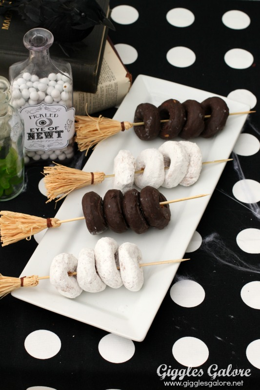 Great ideas 20 diy halloween projects tatertots and for How to have a great halloween party