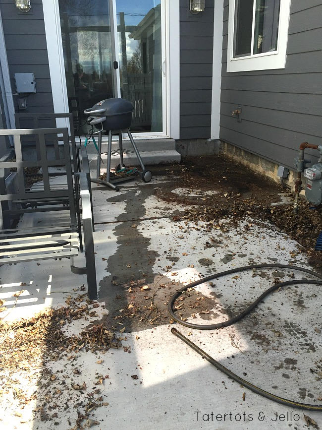 How to clean mold outside