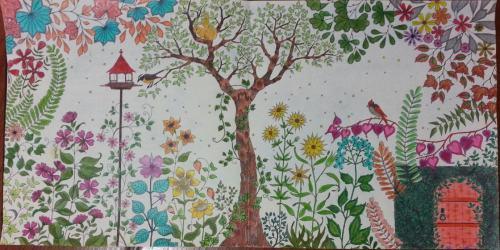 Primeiro desenho que completei do livro Jardim Secreto completo.