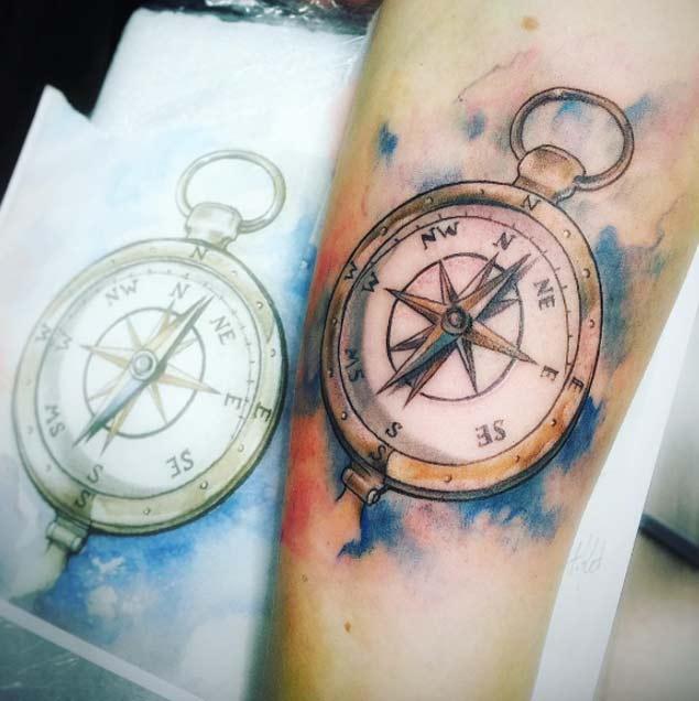 42 Friggin Amazing Compass Tattoos - TattooBlend