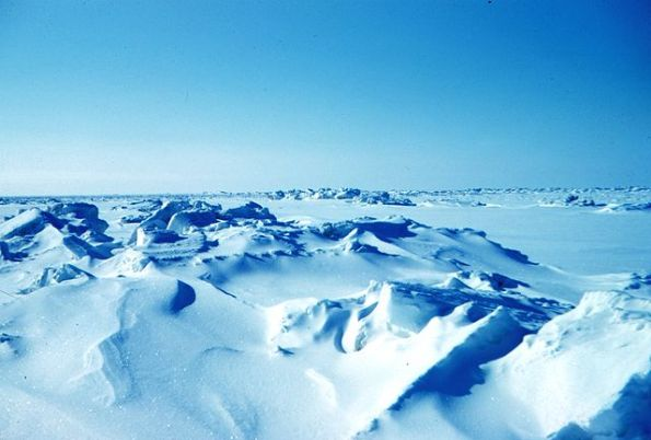 640px-rctic_Sea_ice_terrain
