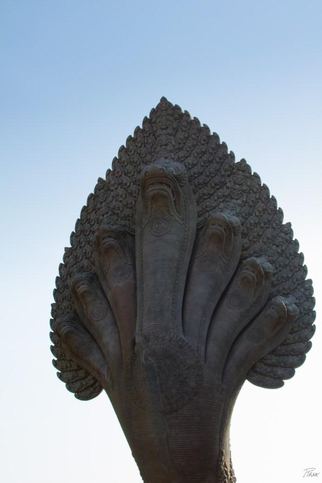 AngkorWat7HeadSnake