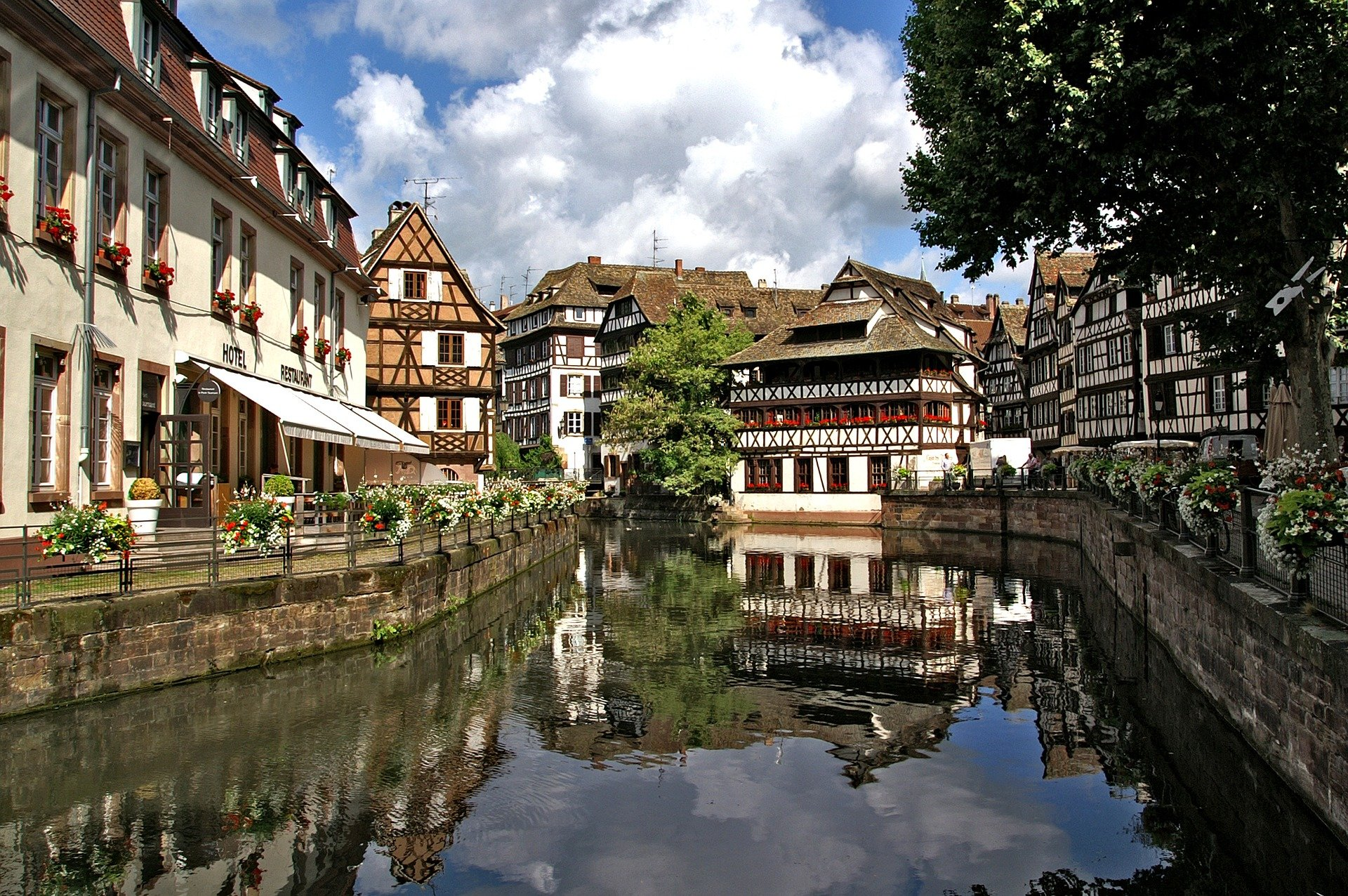 Subtropisch Zwembad Elzas Things To Do Grand Est Visit Alsace The Originals Hotels