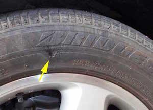 車 タイヤ パンク 交換、2