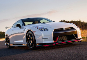 2014 Nissan GT-R Nismo; top car design rating and specifications