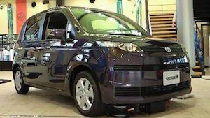 コンパクトカー 人気 ランキング 燃費、3