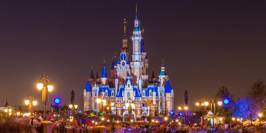 3d Wallpaper City Lights Shanghai Disneyland Trip Planning Guide 2017 Tdr Explorer