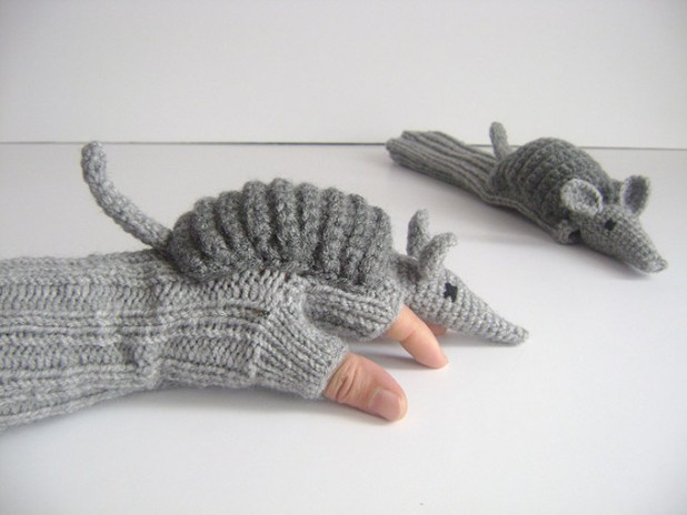 Armadillo-Gloves