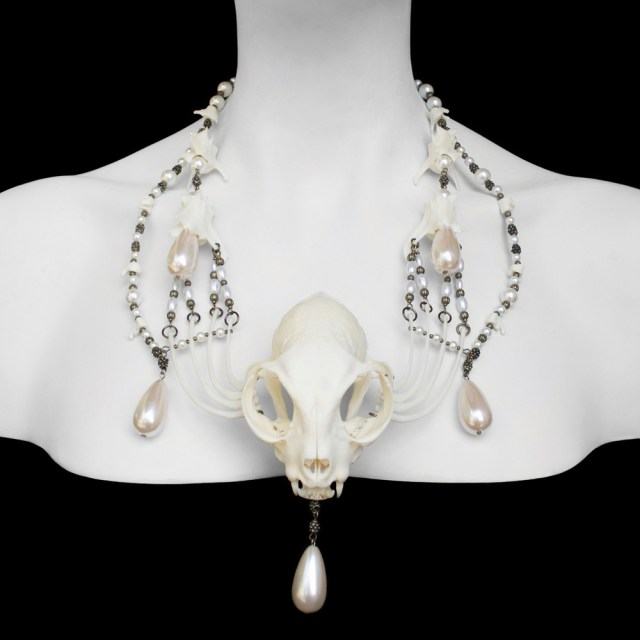 Cat-Skull-Necklace---Lucy01