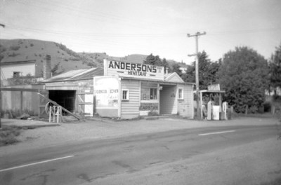 Store closure at Hīhītahi, 1964 – Whanganui region – Te Ara Encyclopedia of New Zealand