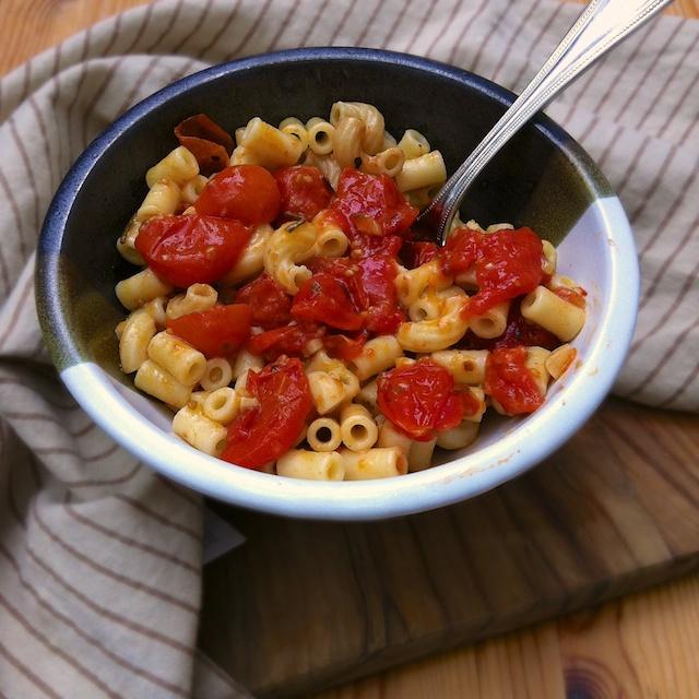 Roasted Tomatoes with Tubettini | Teaspoonofspice.com