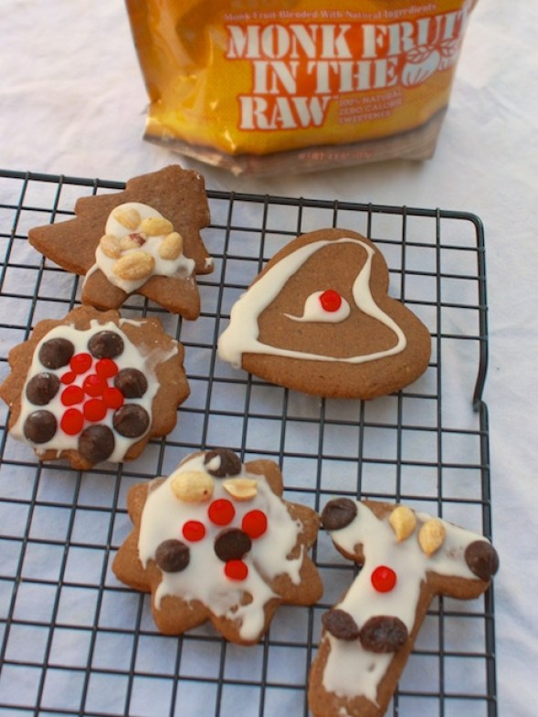 Low Sugar Gingerbread Cookies | Teaspoonofspice.com