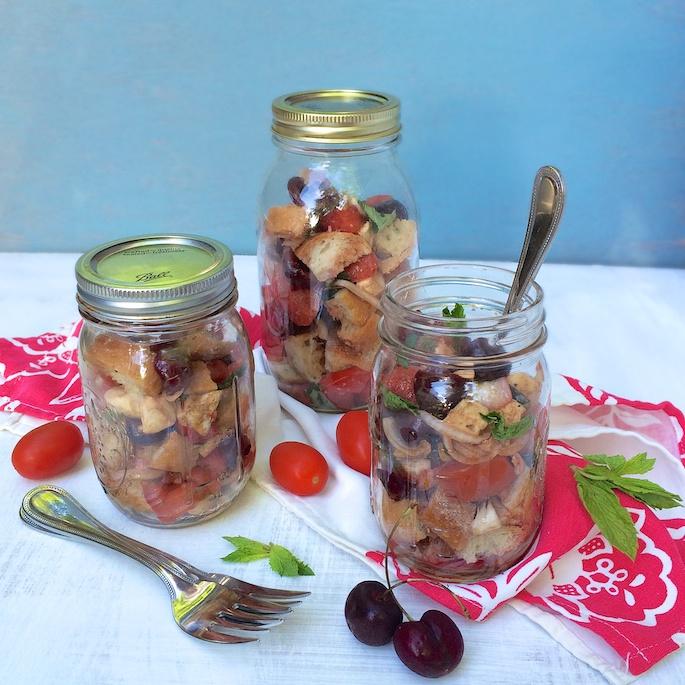 Cherry Caprese Panzanella Salad | Teaspoonofspice.com