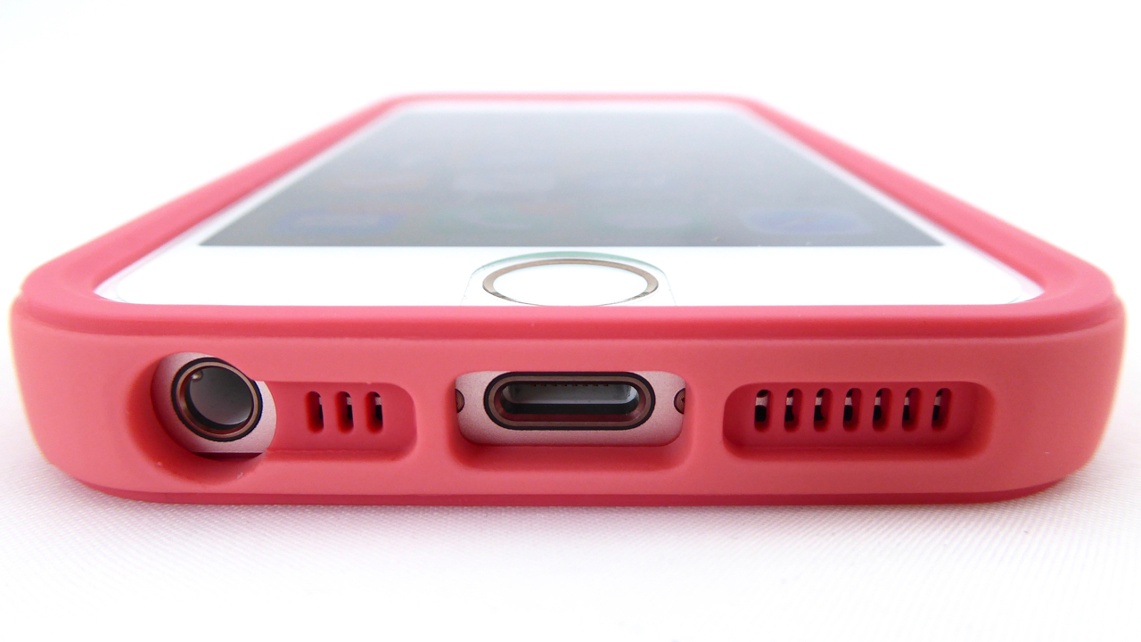 RhinoShield Crash Guard for iPhone SE in Coral Pink: Bottom Port Opening View