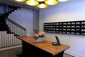 English: La Sal Gallery interior design 1