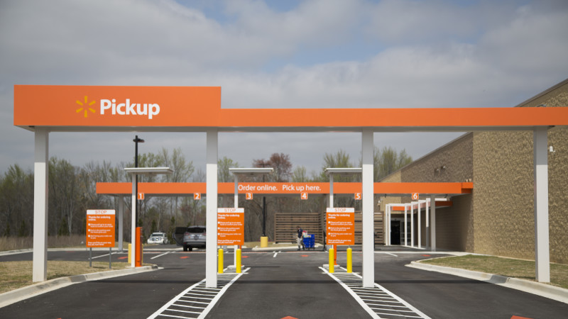 Walmart expands its curbside grocery pickup service in the US