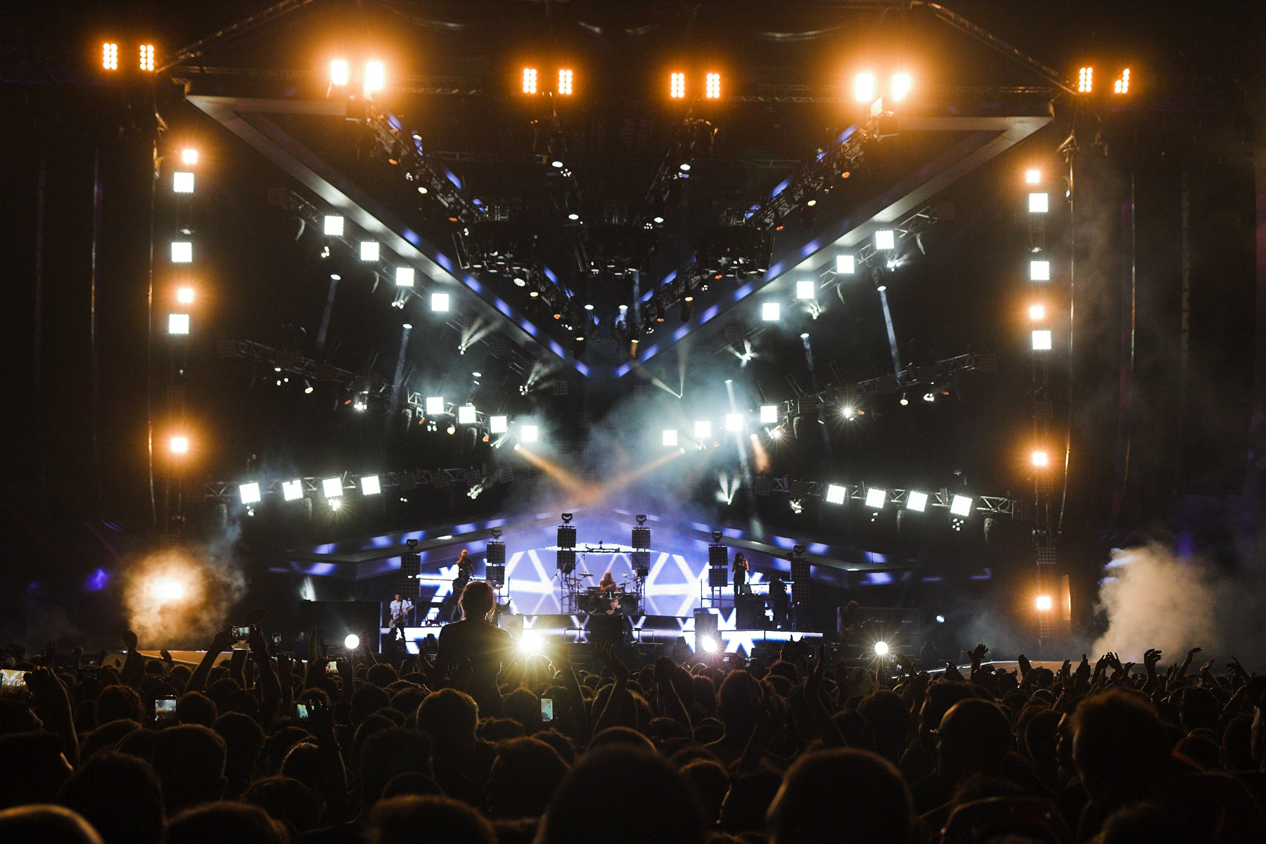 Vasco Rossi 2014 Album Ledbeam 100s For Vasco Rossi Shows Techie Talk