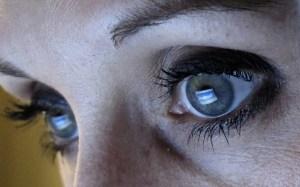 facebook-woman-internet