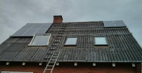 tagfladen til solcellepaneler