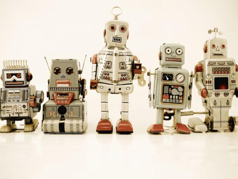 robots-930x624