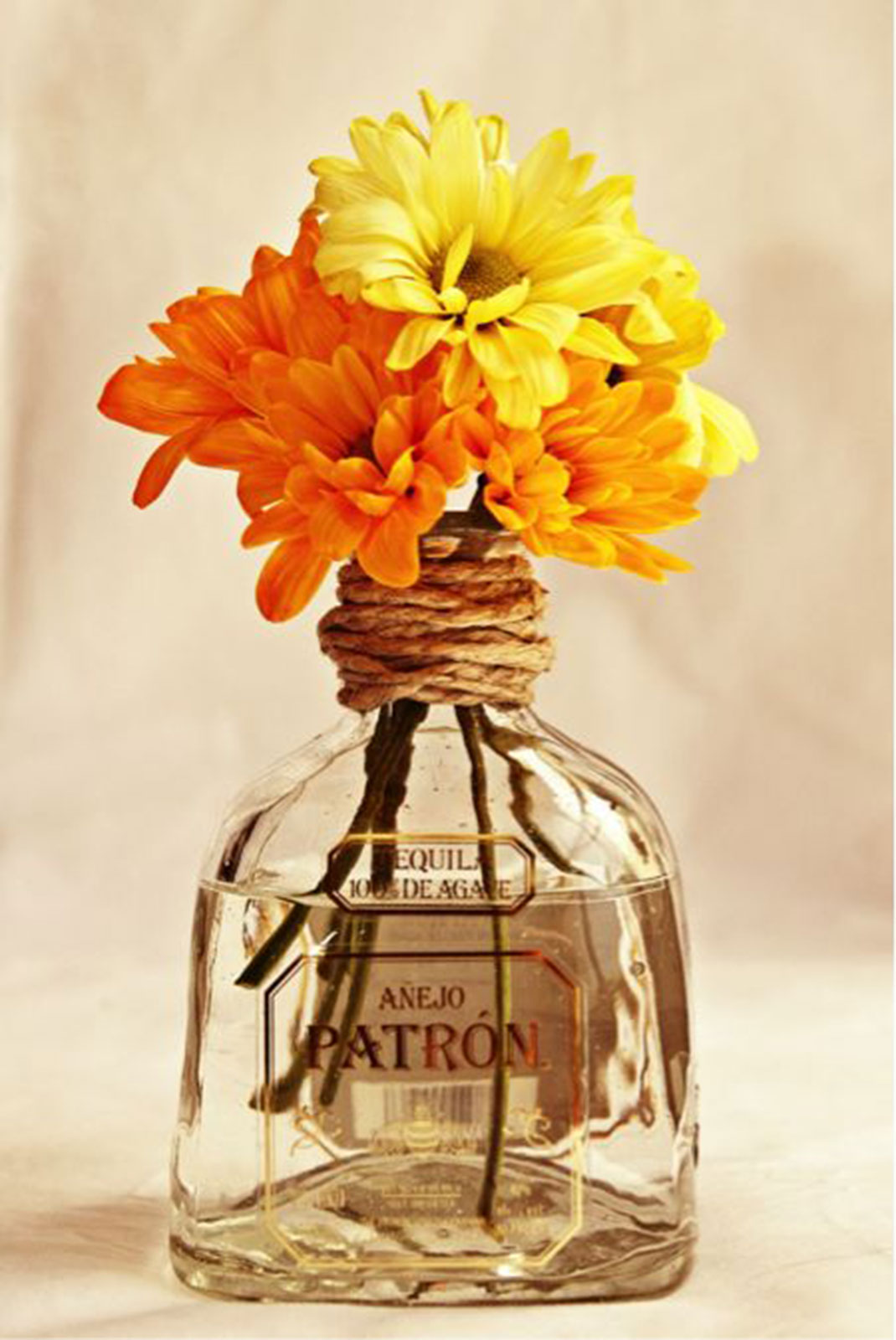 Flower Vase Decoration 29 Ideas To Help You Recycle Your Glass Bottles Cleverly