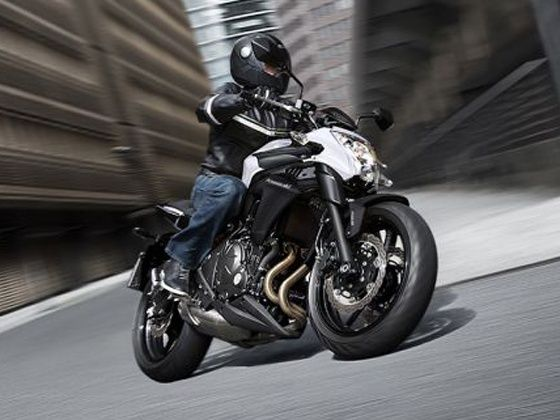 Kawasaki-to-Launch-Z250-and-ER-6n-on-October-16_copy