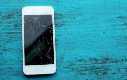 smashed-phone-screen-1