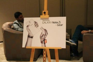 Galaxy Gear Sneak Peak (1)